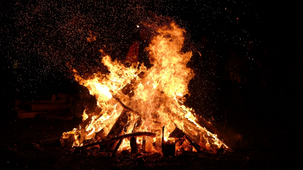 How to have a dementia-friendly Bonfire night
